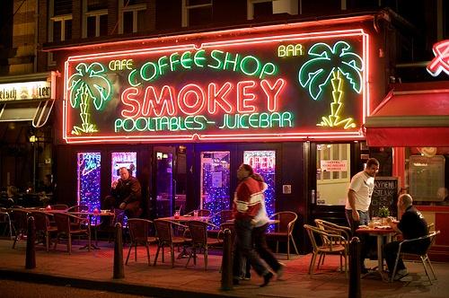 amsterdam-villes-incontournable-pour-les-fumeurs-de-cannabis