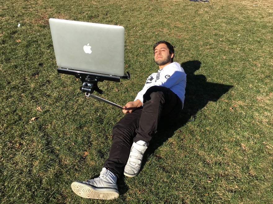 macbook-selfie-stick-perche-a-selfie-pour-macbook
