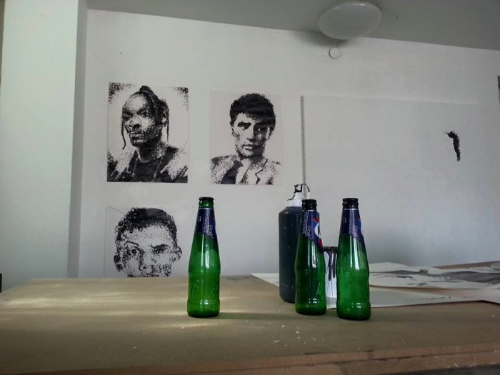 -peinture-réalisées-avec-des-bouteilles-de-biere-papiers-peint