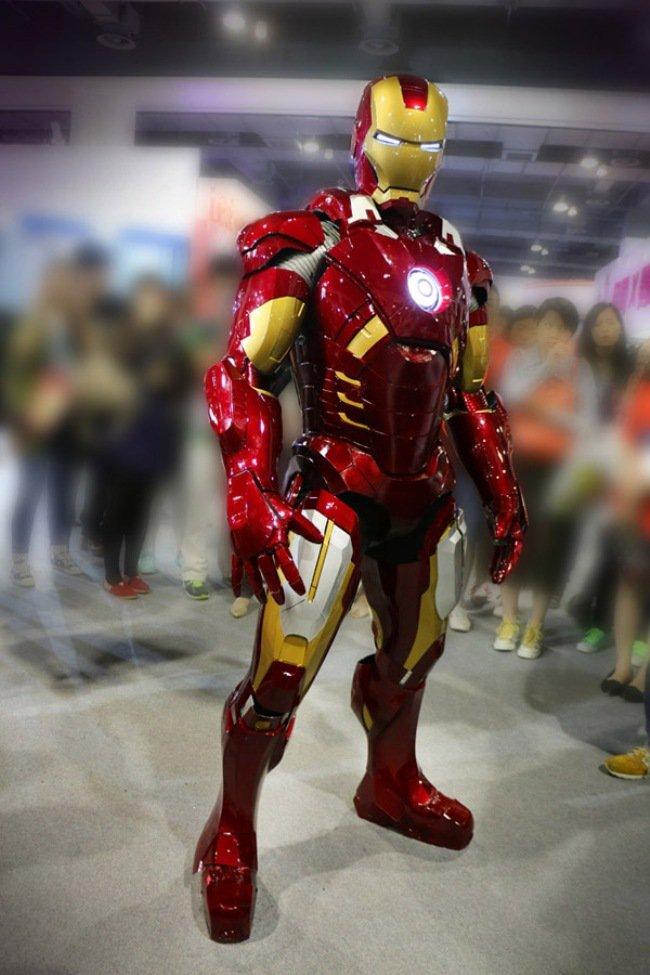 2-armure-tony-stark-iron-man-fabriquée-mise-en-vente