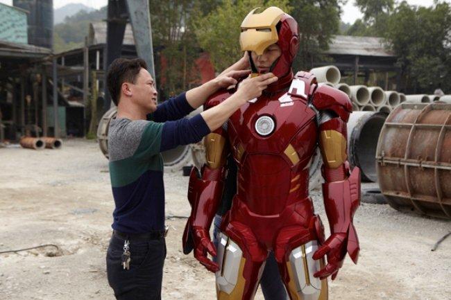 1-armure-tony-stark-iron-man-fabriquée-mise-en-vente
