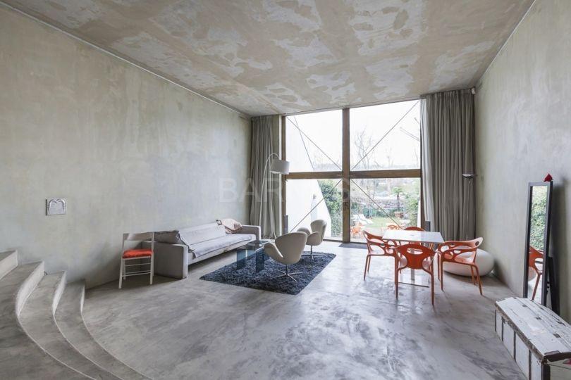 la premi re maison de philippe starck sera vendue aux ench res. Black Bedroom Furniture Sets. Home Design Ideas