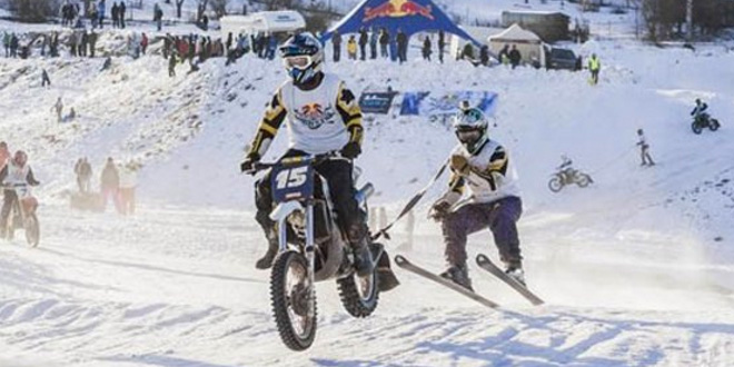 course-de-ski-tractee-par-motos