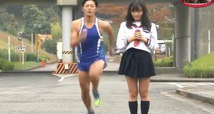 experience-japon-courir-en-soulevant-jupe-femme