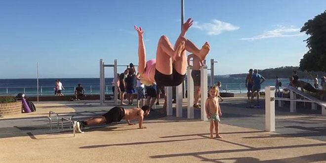 femme-backflip-burpees-fitness