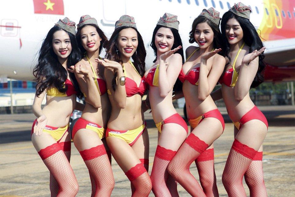 3-vietjet-compagnie-aerienne-ou-les-hotesses-de-l-air-son-es-mannequins-en-bikini