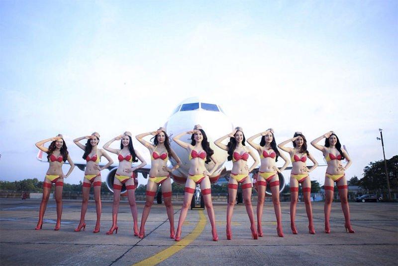 4-vietjet-compagnie-aerienne-ou-les-hotesses-de-l-air-son-es-mannequins-en-bikini
