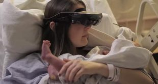 aveugle-elle-voit-son-bebe
