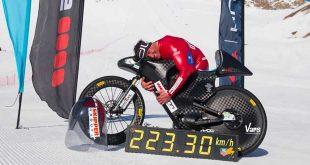 eric-barone-bat-record-du-monde-de-vitesse-sur-neige