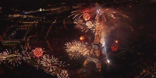 feu-artifice-tour-eiffel