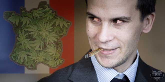 le-chef-de-la-communication-de-francois-hollande-qui-fume-un-joint-