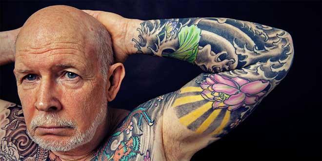 personne-agee-tatouee