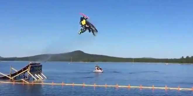 record-du-monde-motoneige-backflip