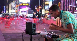stromae-papaoutai-rue-new-york