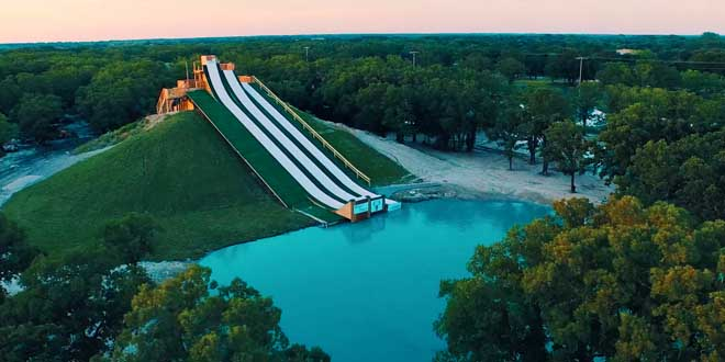 the-royal-flush-toboggan-geant-texas