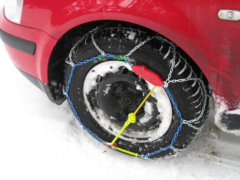 2-cinq-conseil-pour-economiser-ses-pneus-et-profiter-en-toute-securite-de-ses-vacances-hiver