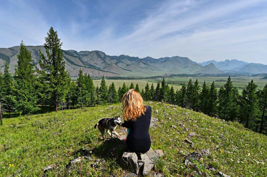 a-27-ans-elle-est-la-seule-femme-a-avoir-visite-tous-es-pays-du-monde-mongolie