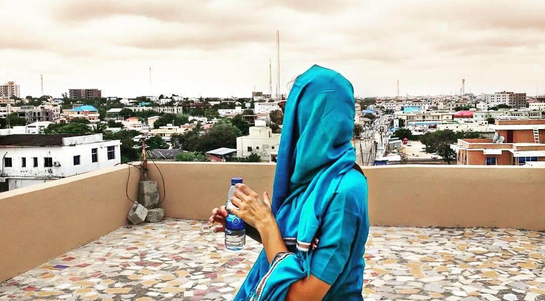a-27-ans-elle-est-la-seule-femme-a-avoir-visite-tous-es-pays-du-monde-somalie