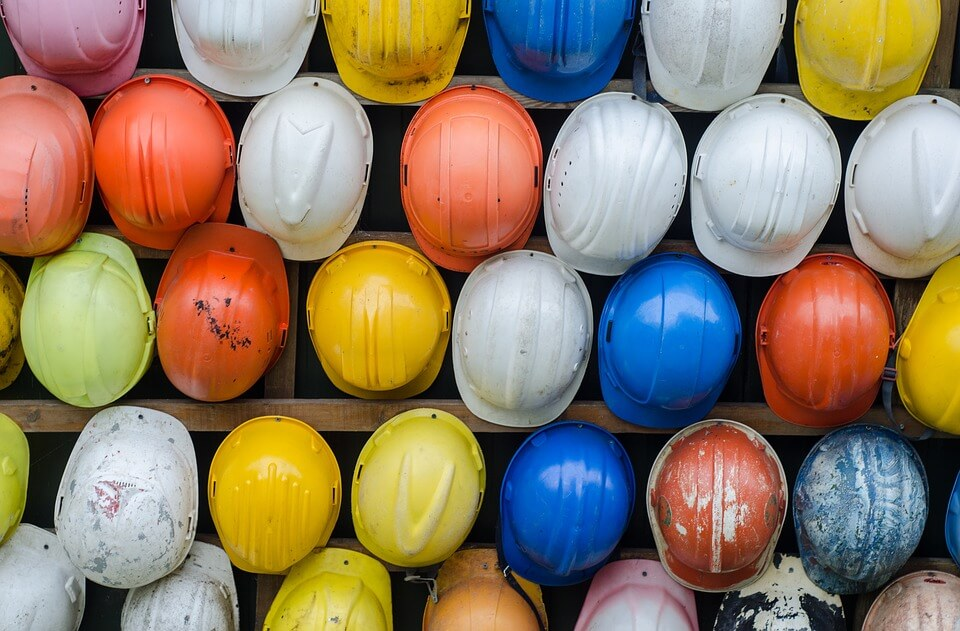 casque-de-chantier-les-differents-types-equipements-pour-une-securite-maximale-sur-chantiers-de-construction