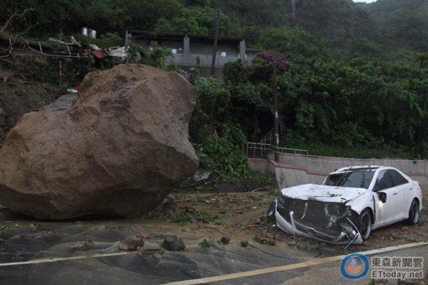 chute rocher ecrase route